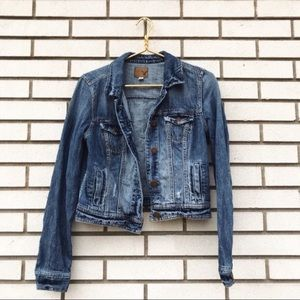 America Eagle Outfitters Distressed Jean Jacket